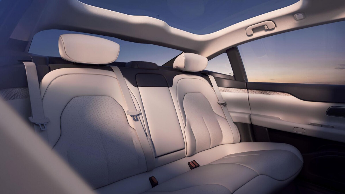 The NIO ET7 Backseat Detail