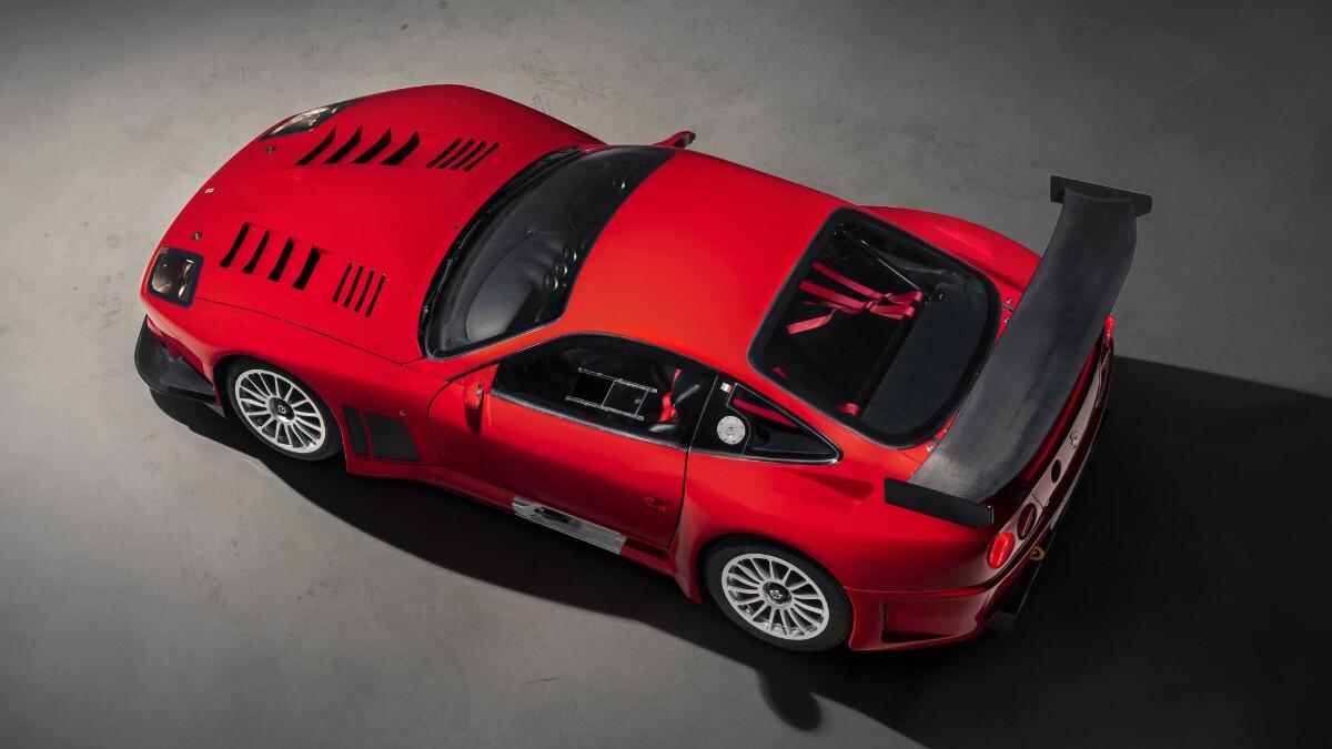 The Ferrari 575 - Top View