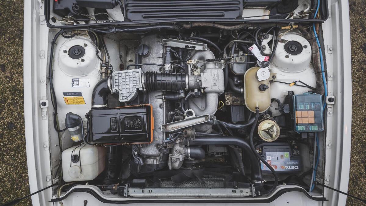 1986 BMW 635 CSi - Engine