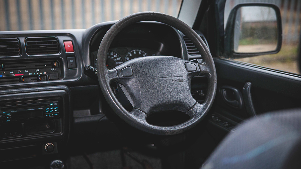 Suzuki Jimny - Driving Wheel