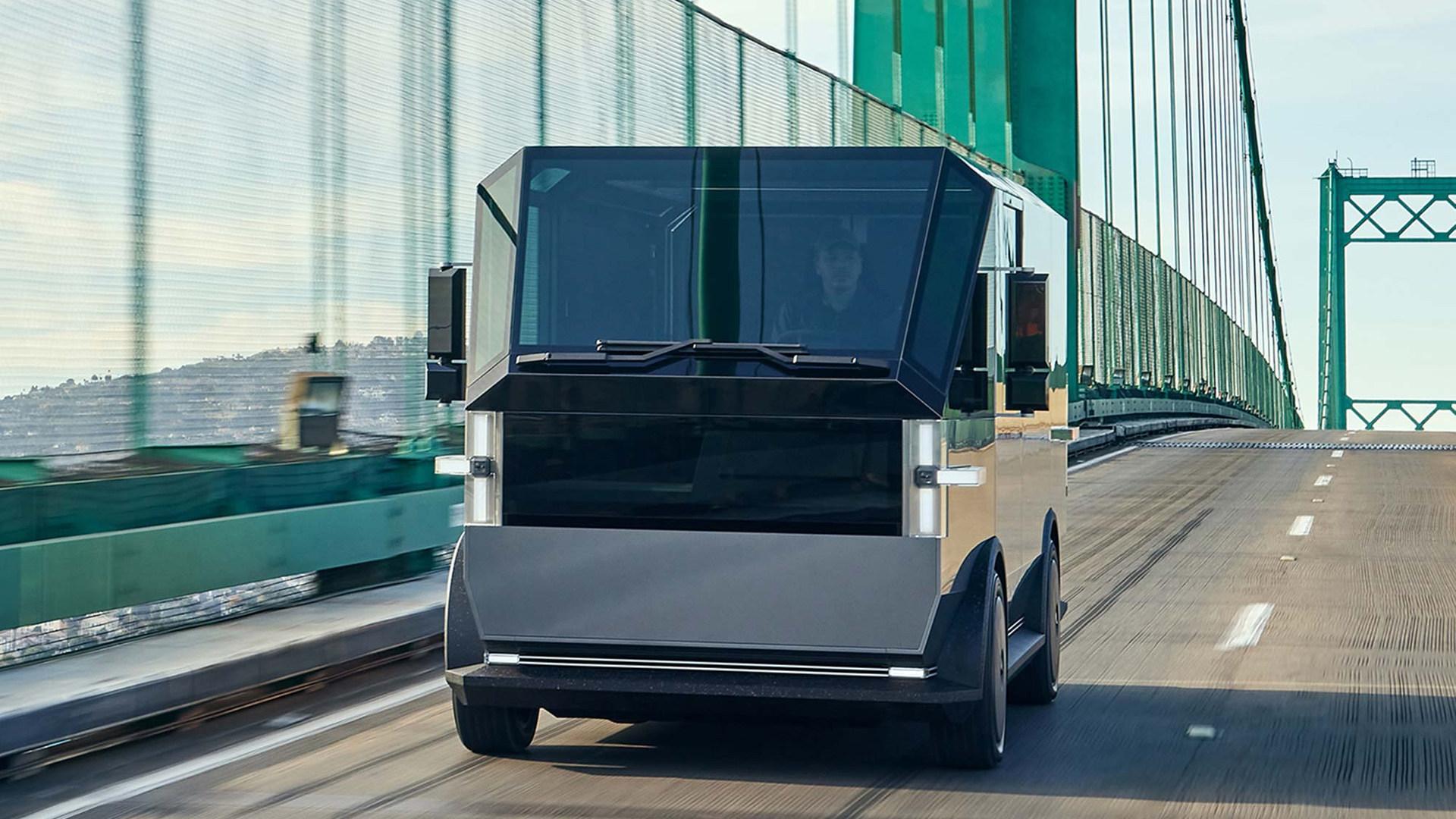 The Canoo multi-purpose delivery vehicle (MPDV) - Concept: On the Road