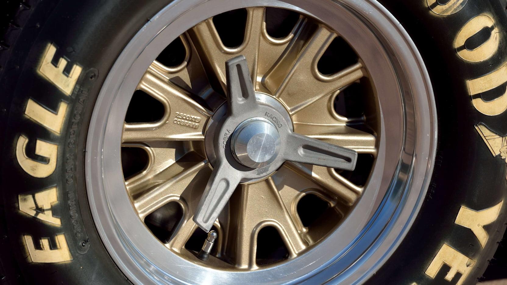 Shelby Cobra - Tire Detail
