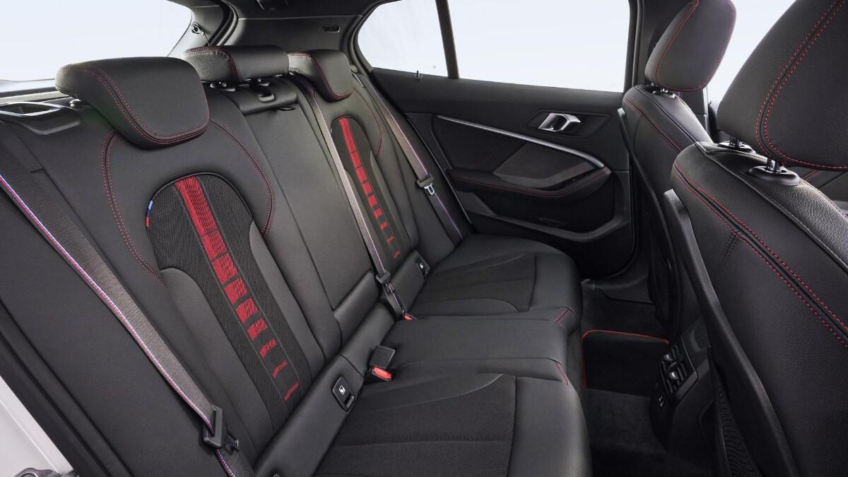 BMW 128ti - Back seat detail