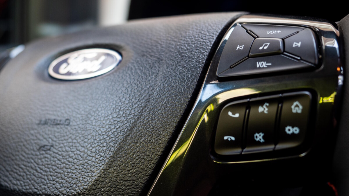 The 2020 Ford Ranger FX4 4x2 AT - Steering Wheel Controls