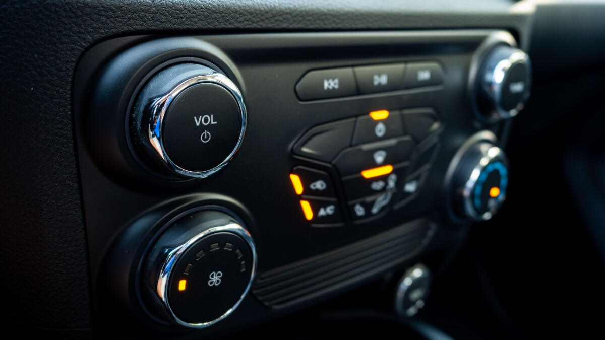 The 2020 Ford Ranger FX4 4x2 AT - Dashboard Controls in Detail