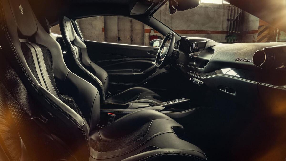Ferrari F8 Tributo - Interior