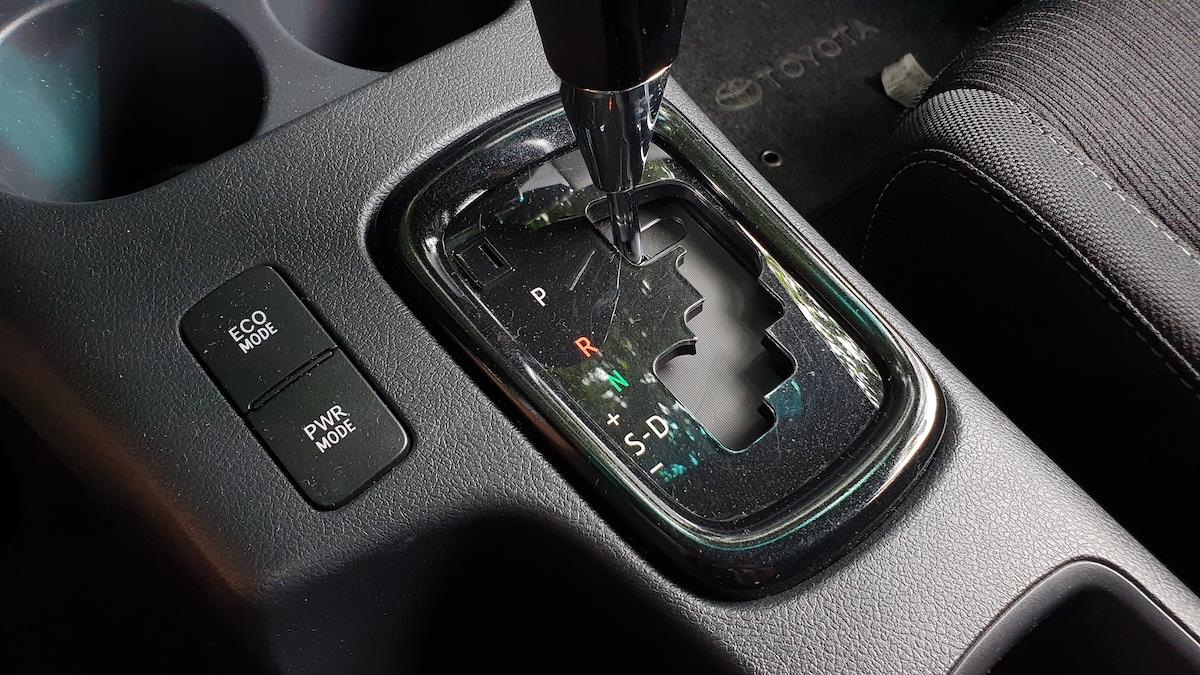 The Toyota Hilux Conquest - Gear Stick