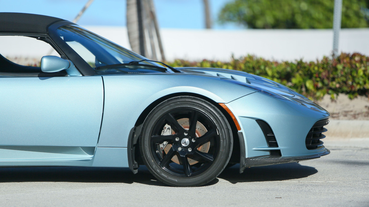 Tesla R80 Roadster - Front Wheel