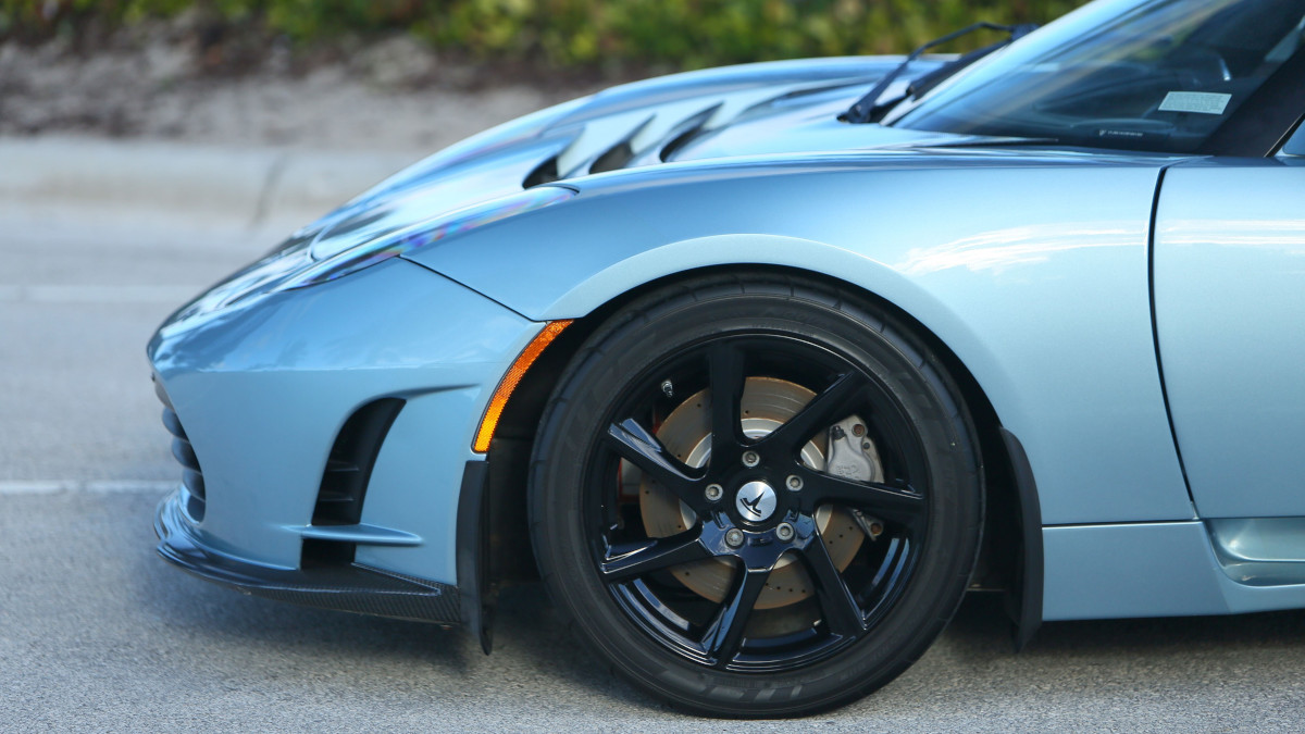 Tesla R80 Roadster - Front Wheel Detail