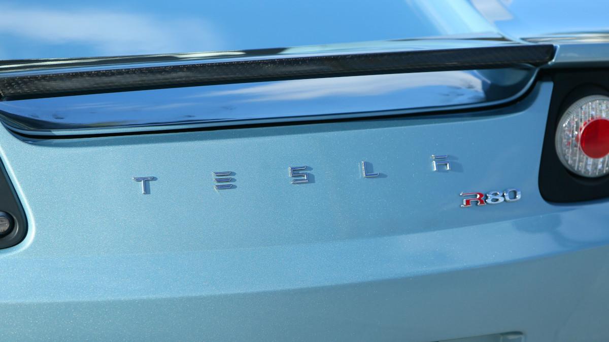 Tesla R80 Roadster  - Tesla Emblem Rear