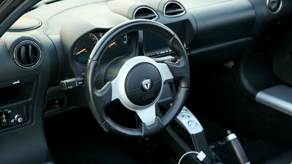 Tesla R80 Roadster  - Steering Wheel