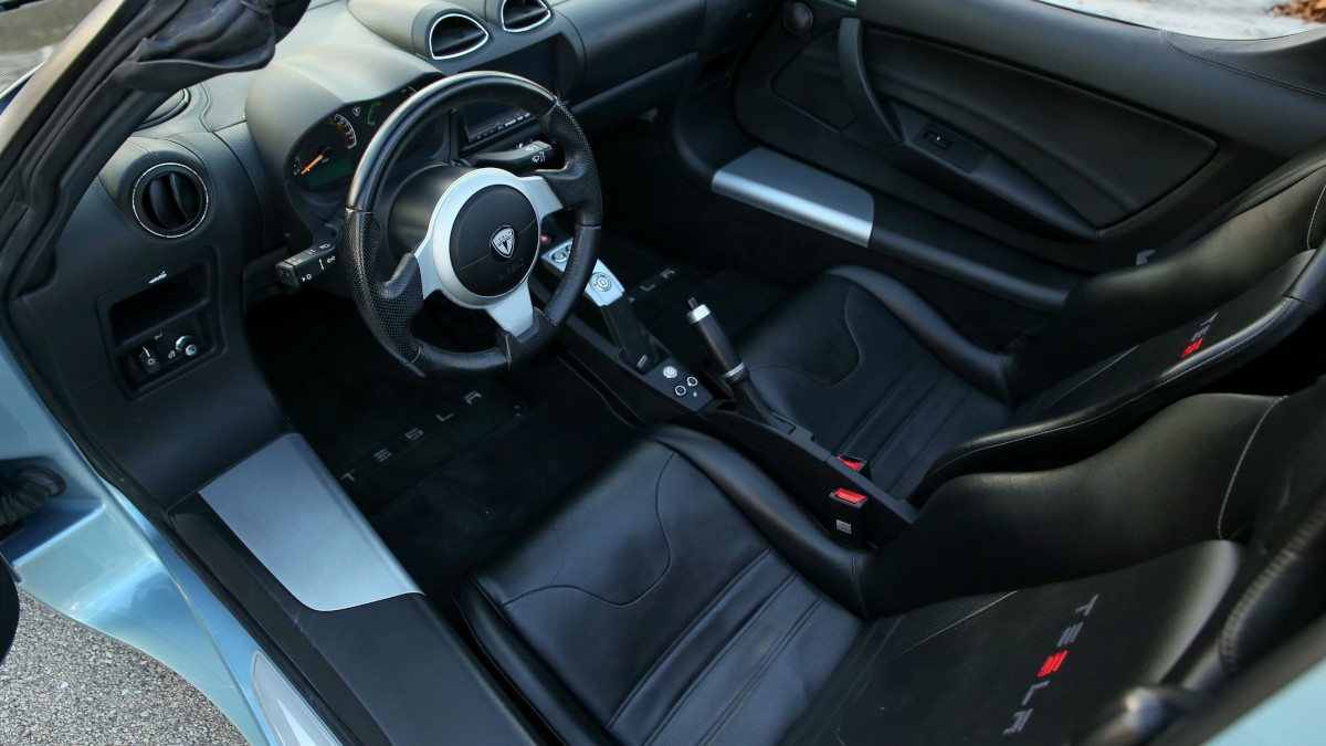 Tesla R80 Roadster - Interior