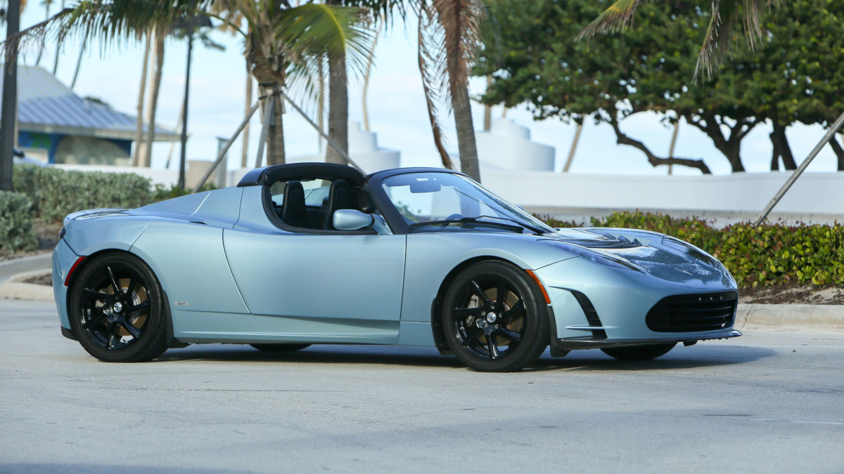 Tesla R80 Roadster  - Wide Angle