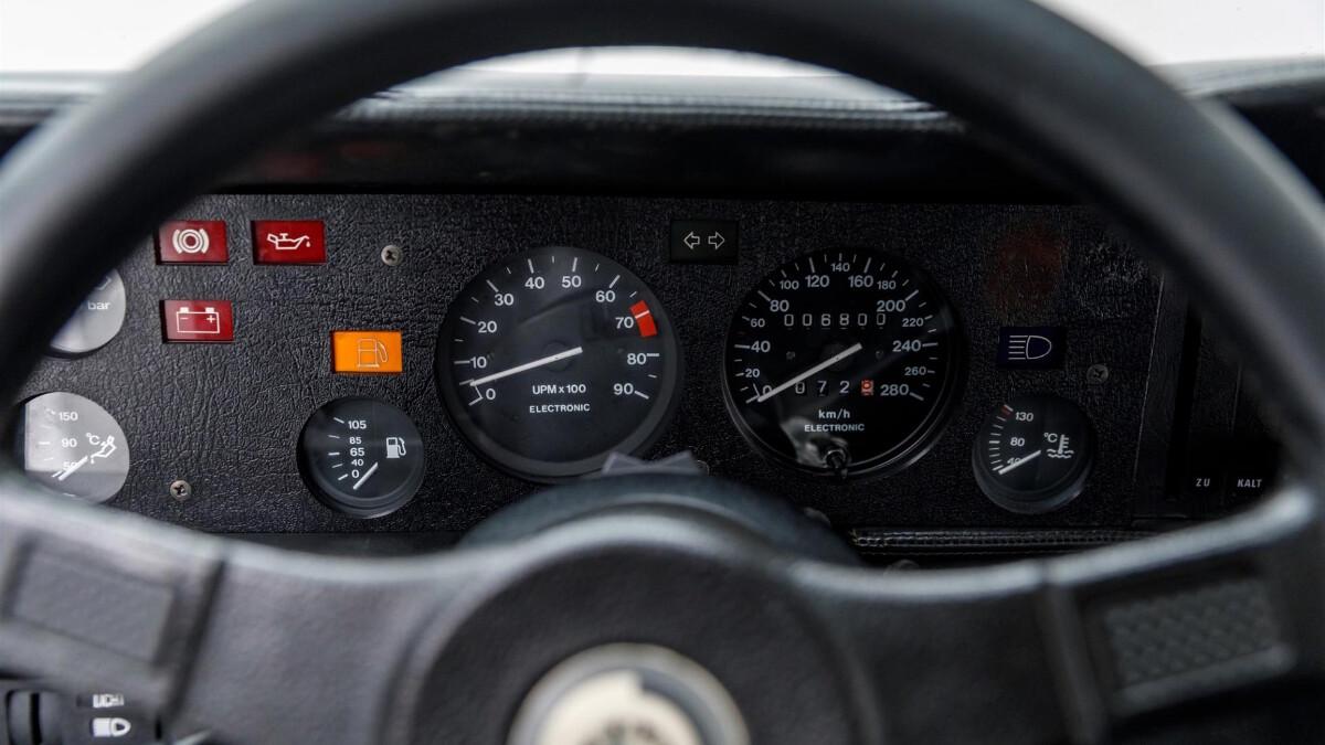 Paul Walker's BMW M1 -  Odometer