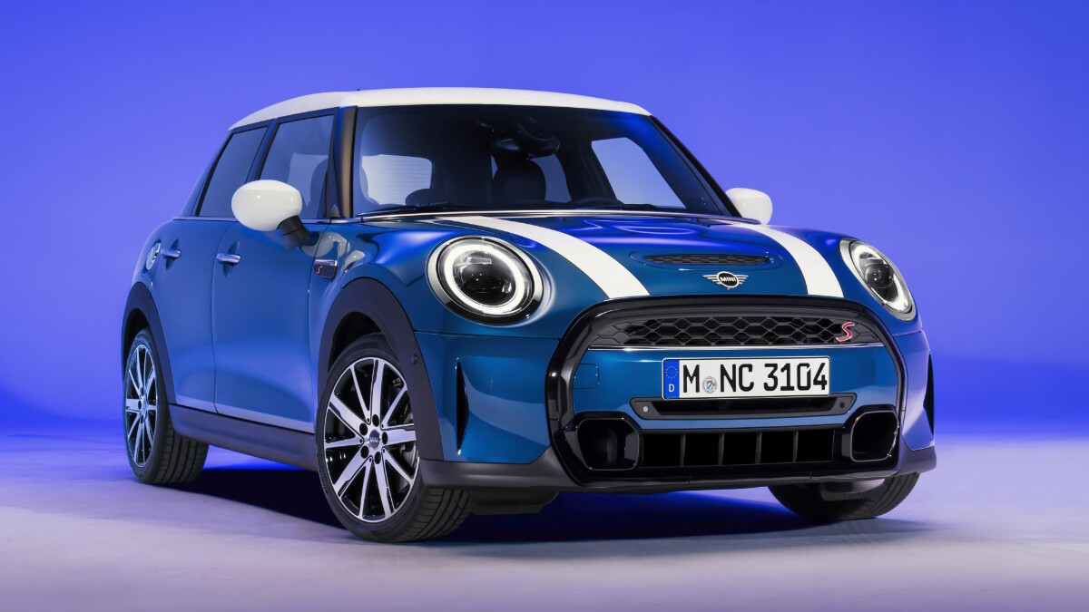 MINI Hardtop and Convertible Get Expansive Grille, $500 Base Price Hike
