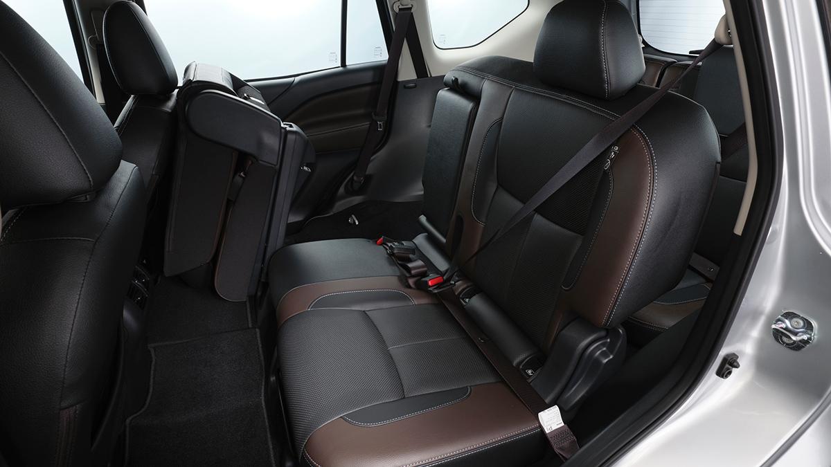 Nissan Terra VL - Passengers' Seat