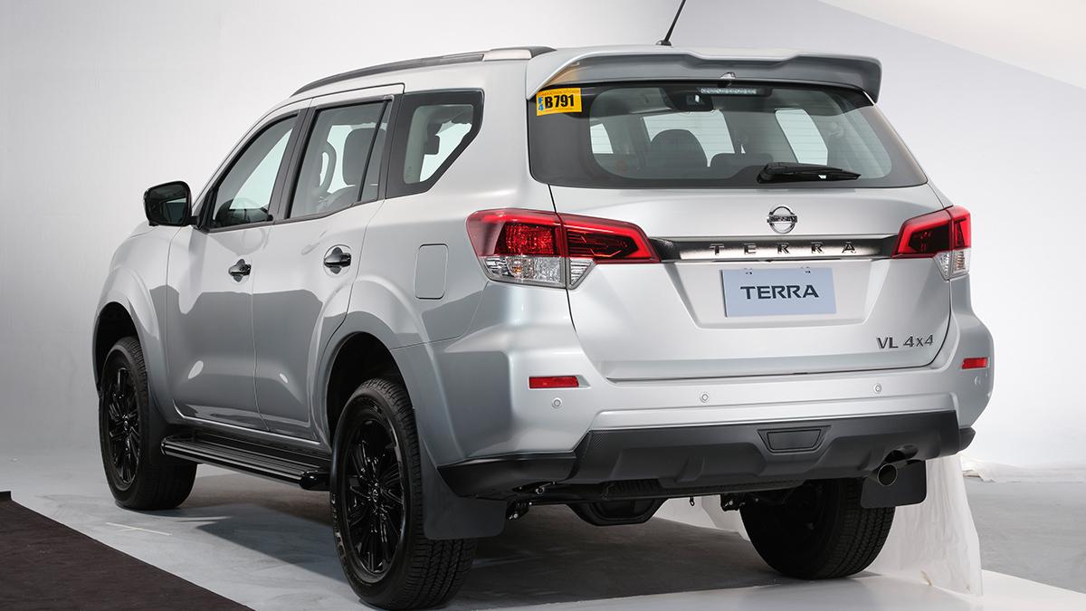 Nissan Terra VL - Angled Rear View