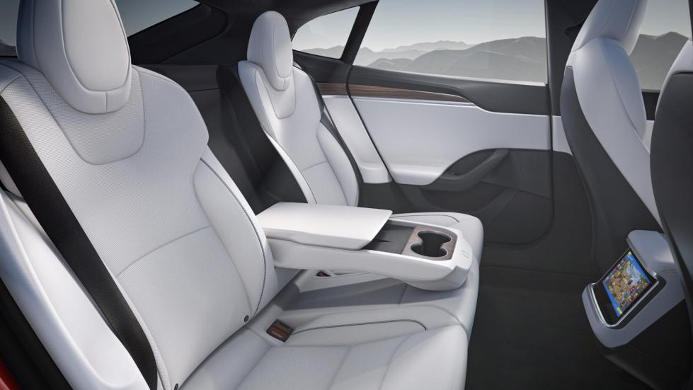 The Tesla Model S -  Rear Seats and Cuip Holders