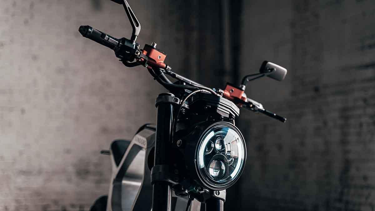 The Sondors Metacycle - Headlamp Detail