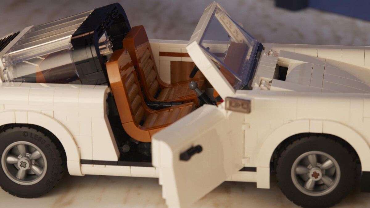 The New Porsche Lego Kit  - Close Up of the Convertible Version