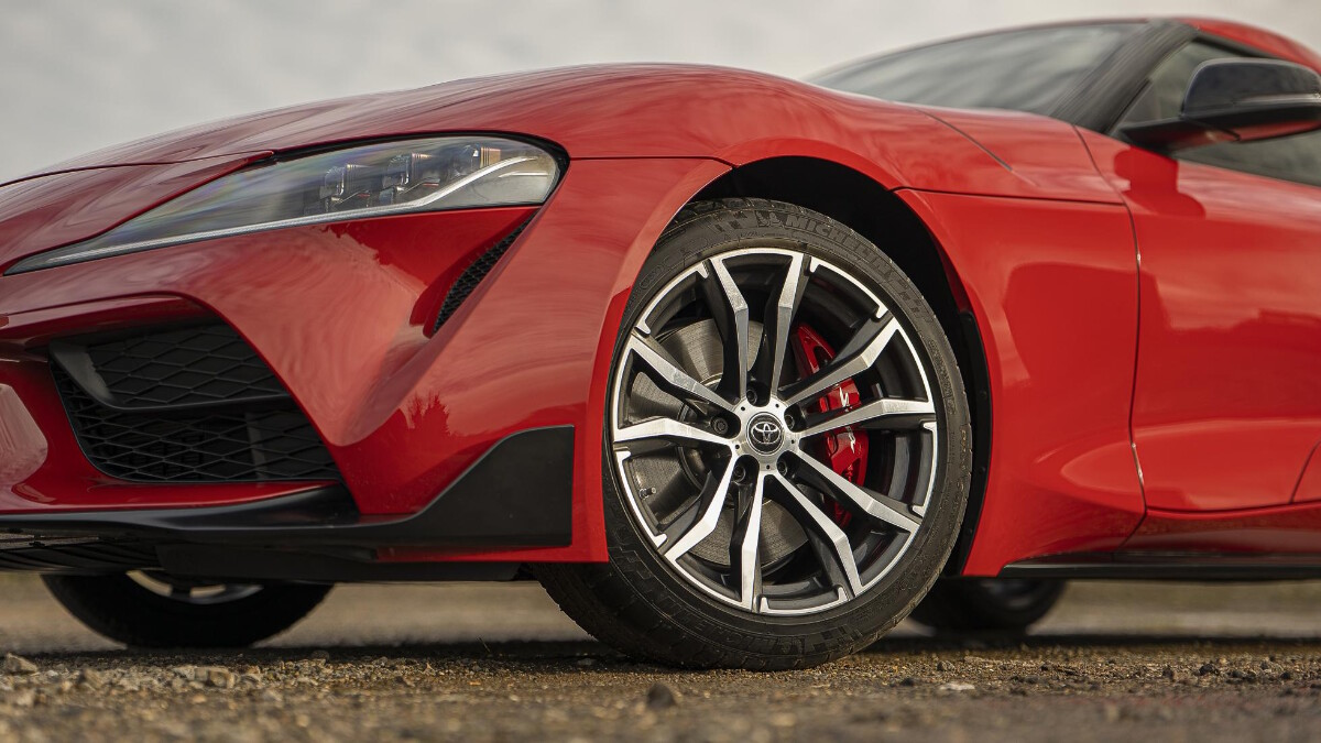 2021 Toyota Supra 2.0 angled view of the front wheels