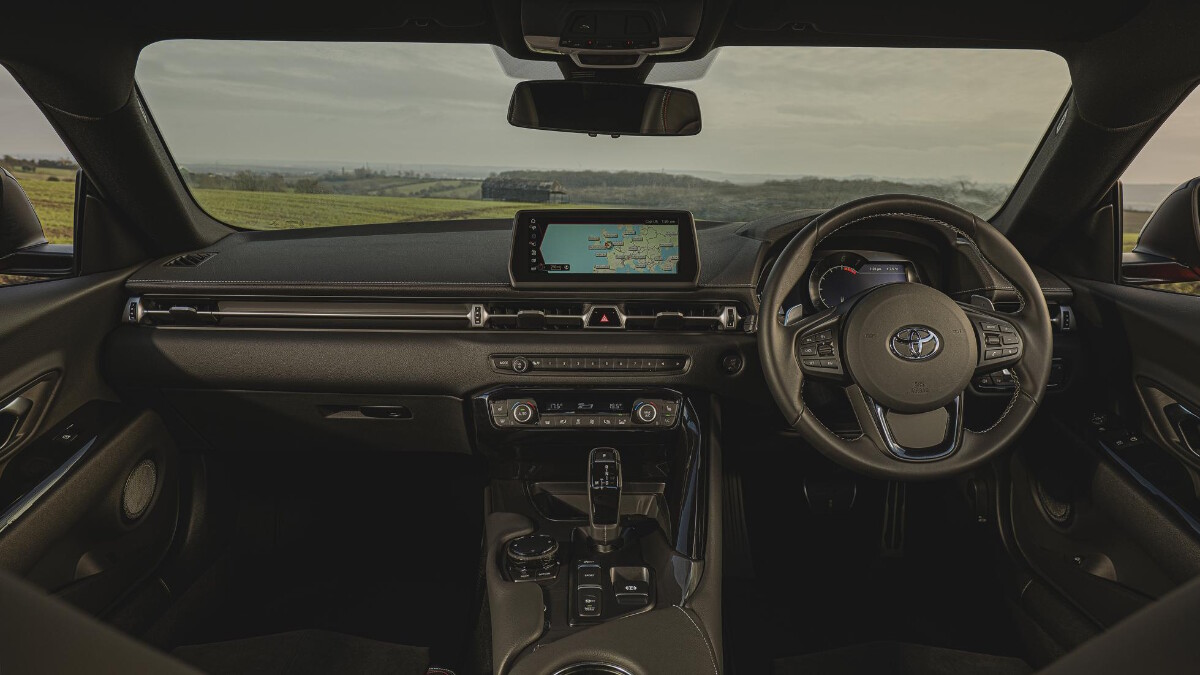 2021 Toyota Supra 2.0 full dashboard feature