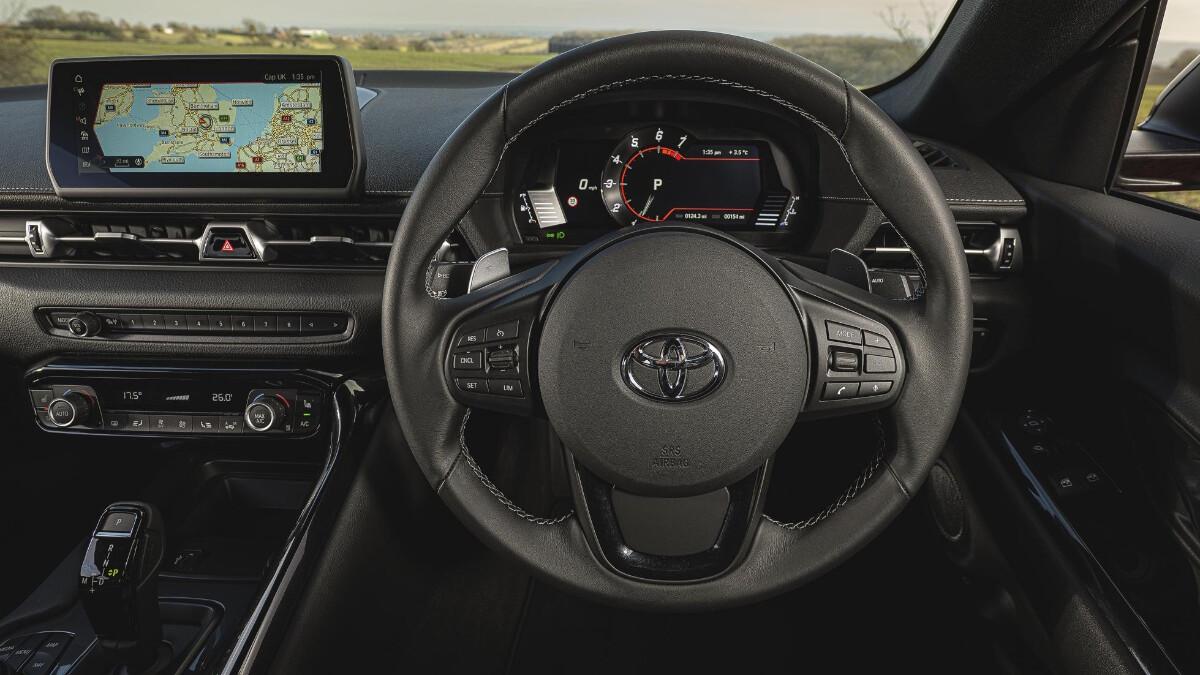 2021 Toyota Supra 2.0 steering wheel