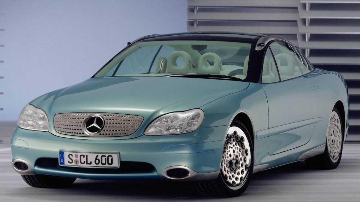 The Mercedes-Benz F200 Imagination front view