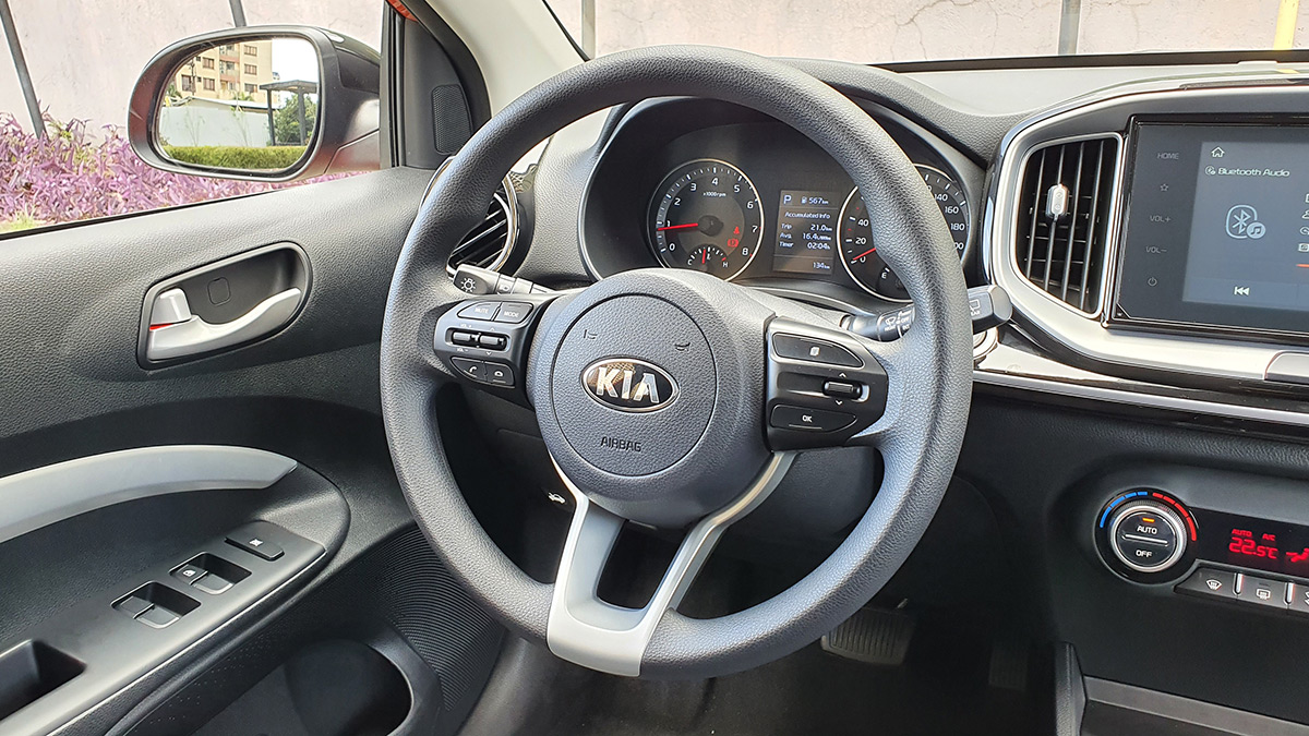 The Kia Stonic - Steering Wheel and Controls Detail