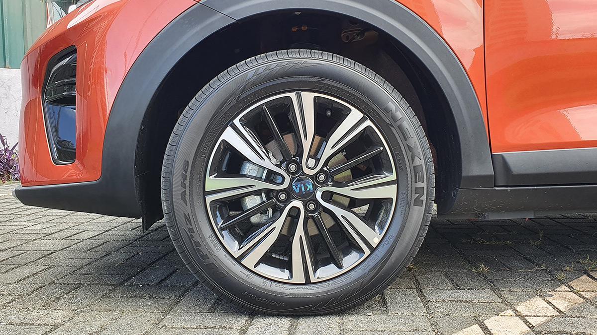 The Kia Stonic - Front Wheel Feature