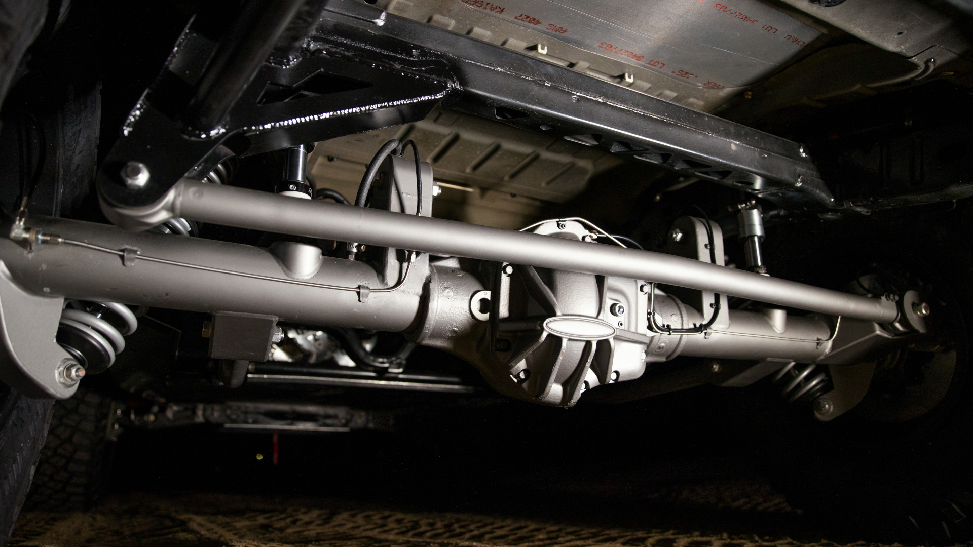 The Ford Bronco 4600 - Under Chassis Axle