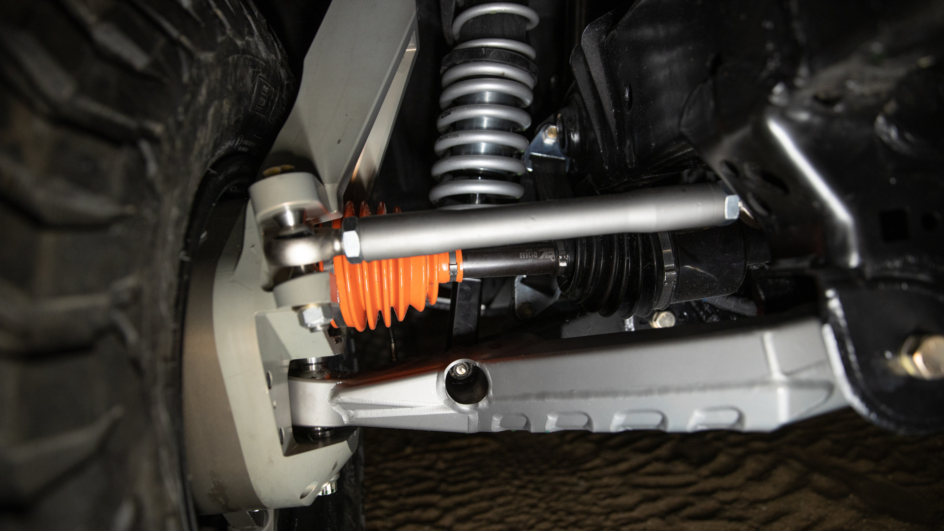 The Ford Bronco 4600 -  Wheel and Suspension Detail