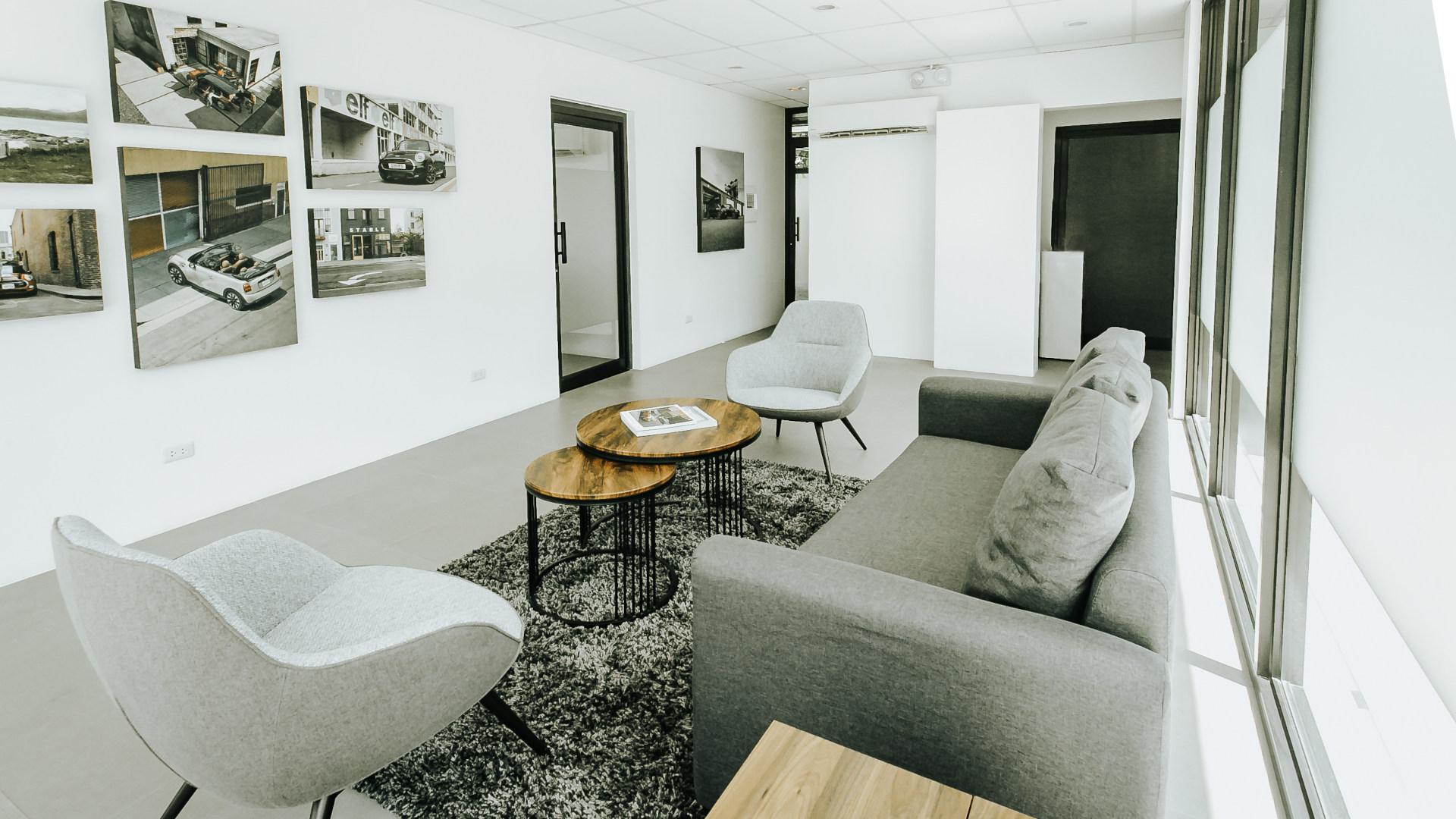 Lounge area in the Mini AutoStudio