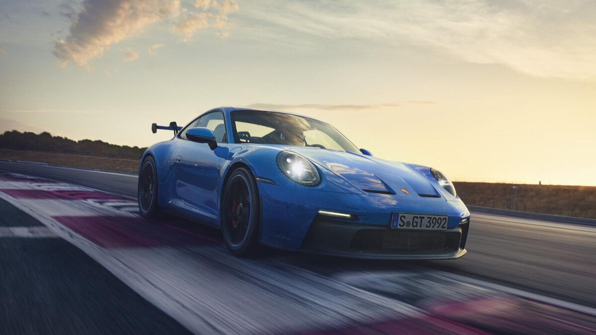 Porsche 911 GT3 front view