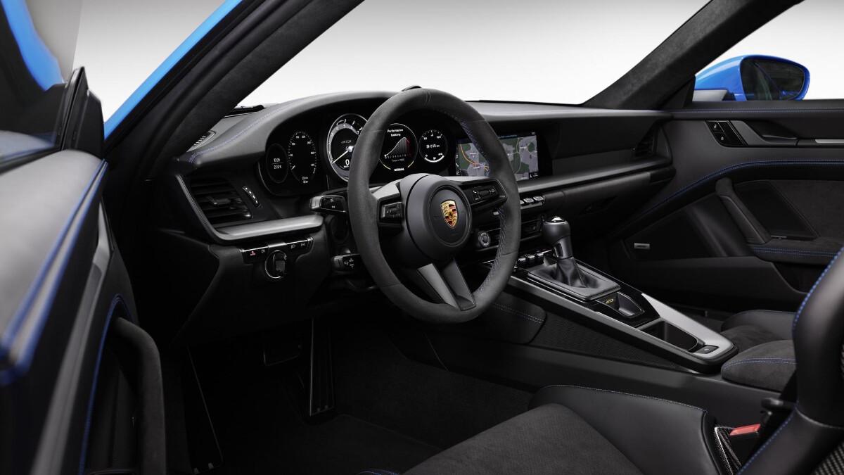 Porsche 911 GT3 interrior, driver-side