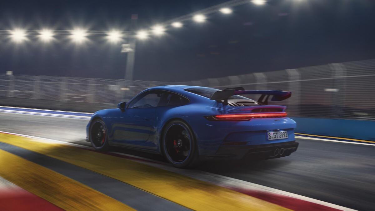 Porsche 911 GT3 on the track