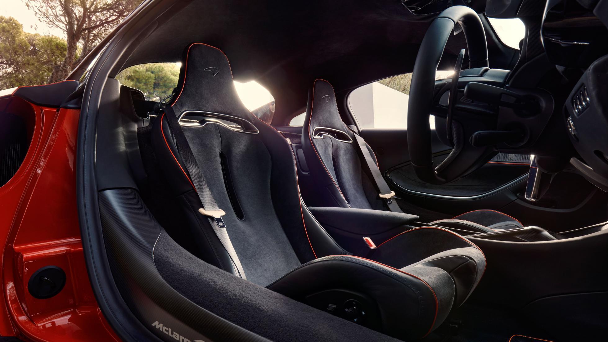 McLaren Artura passenger seats, driver POV