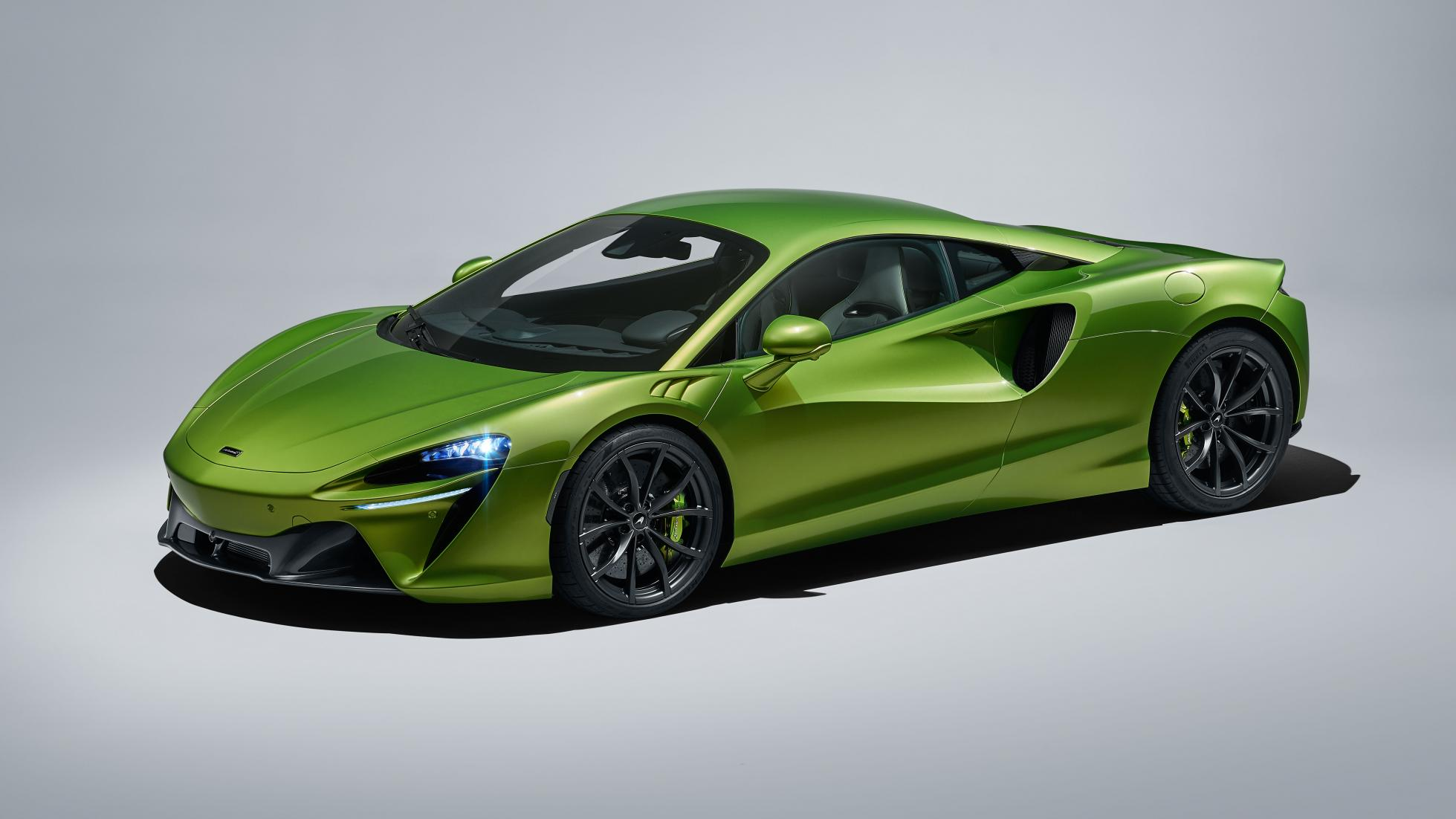 McLaren Artura in Flux Green
