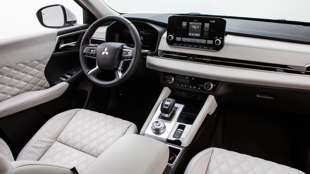 Mitsubishi Outlander white interior featuring dashboard