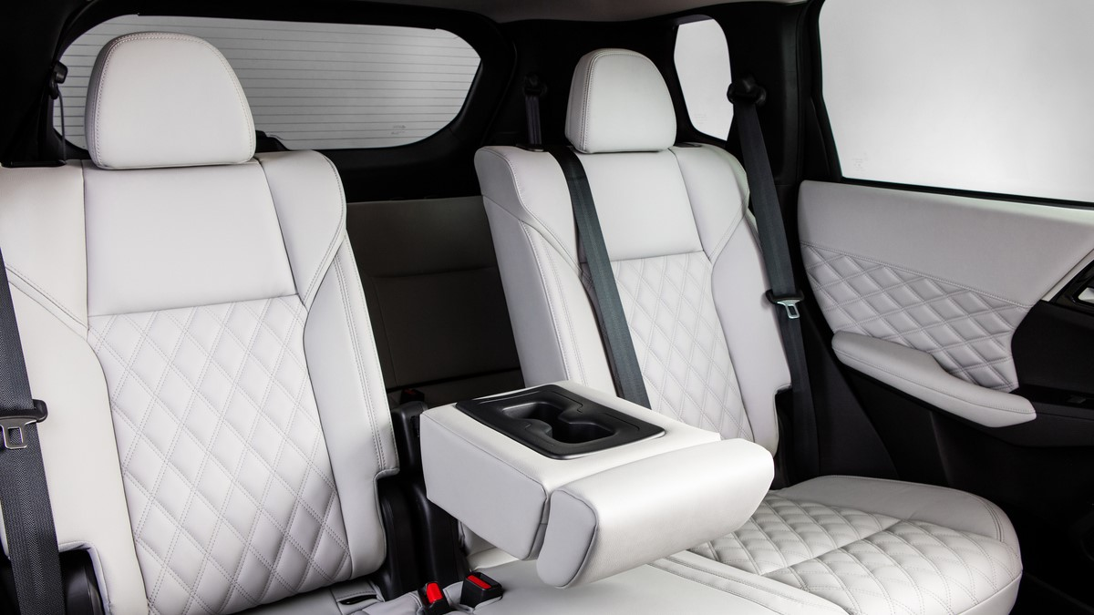 Mitsubishi Outlander rear seats with cupholder extended