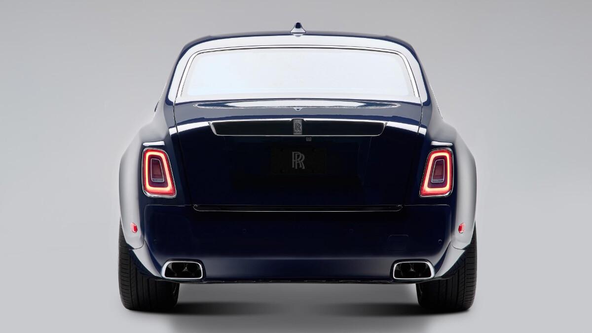 Rolls-Royce Phantom rear view