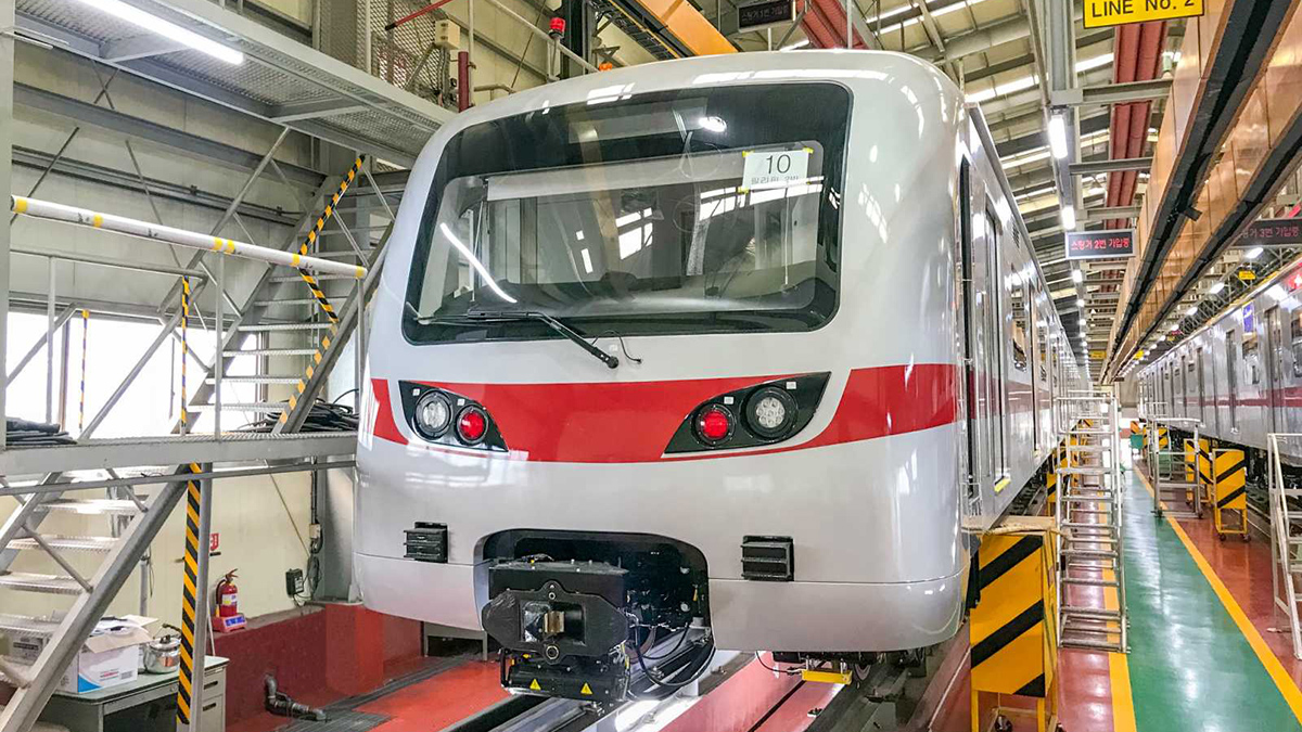 The front of a train that will be used in the new MRT-7 Line