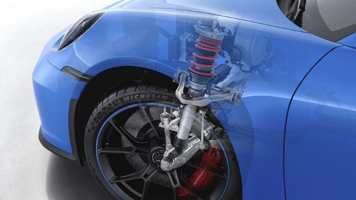 The new double-wishbone front suspension for the Porsche 911 GT3