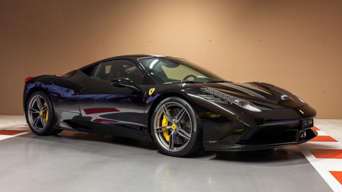 Ferrari F12 tdf passenger seats