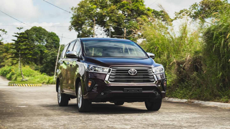 The 2021 Toyota Innova front view alternative angle