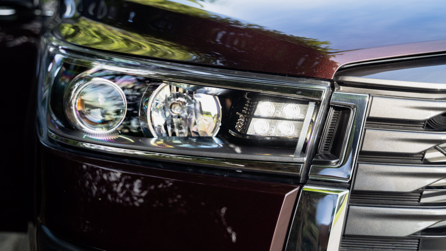 The 2021 Toyota Innova head light