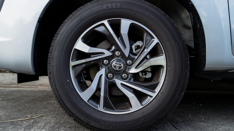 The 2021 Toyota Innova in Freedom White Rear Wheel