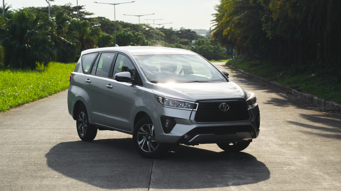 The 2021 Toyota Innova in Freedom White Front View Angled