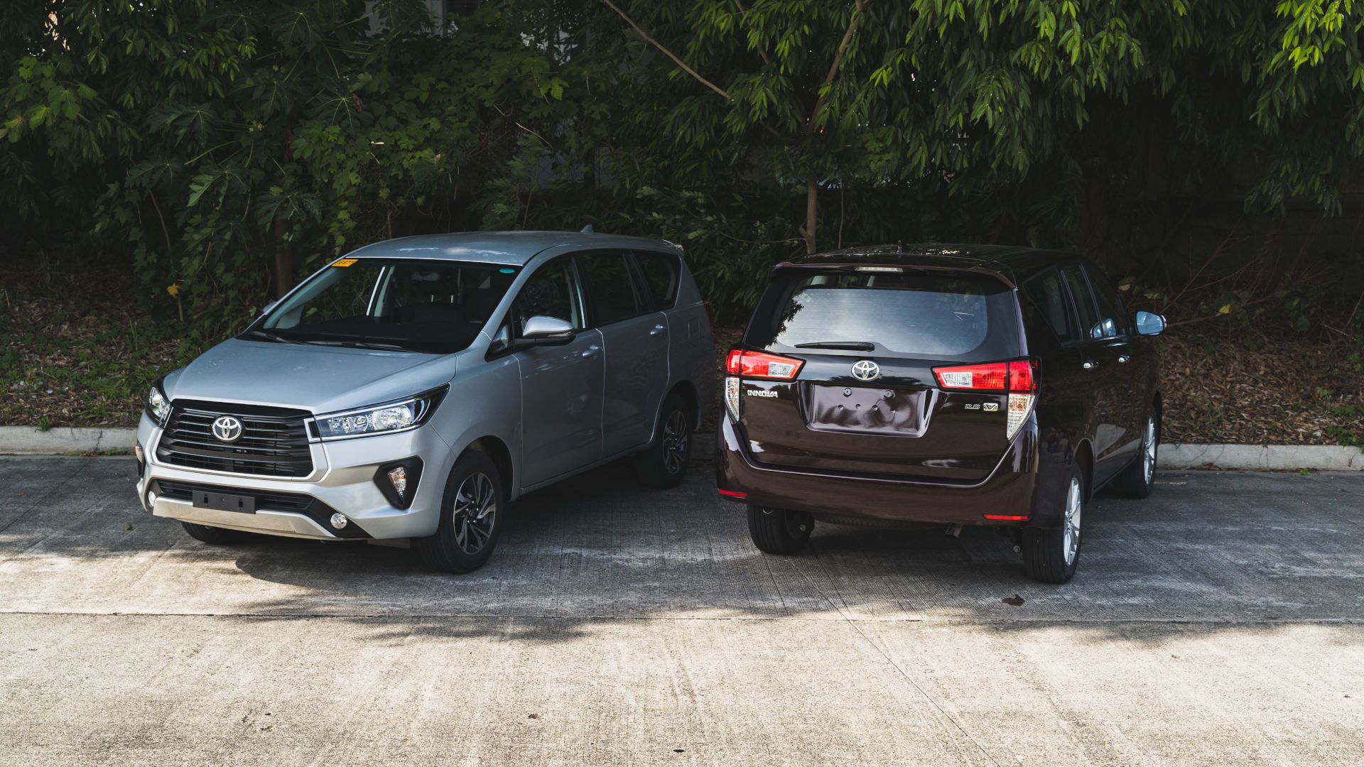 The 2021 Toyota Innova in Red Mica and Freedom White
