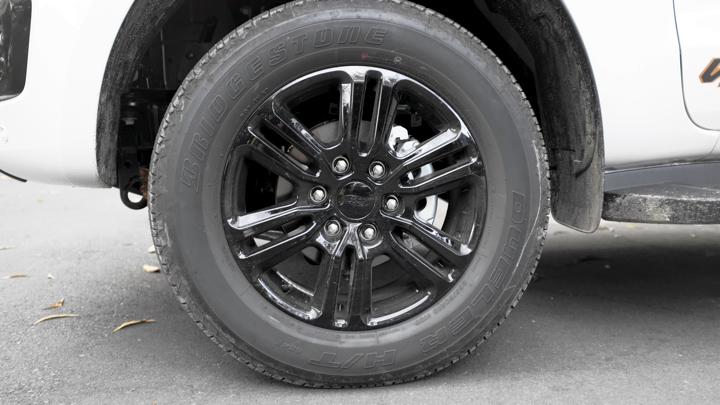 Ford Ranger Wildtrak tire detail